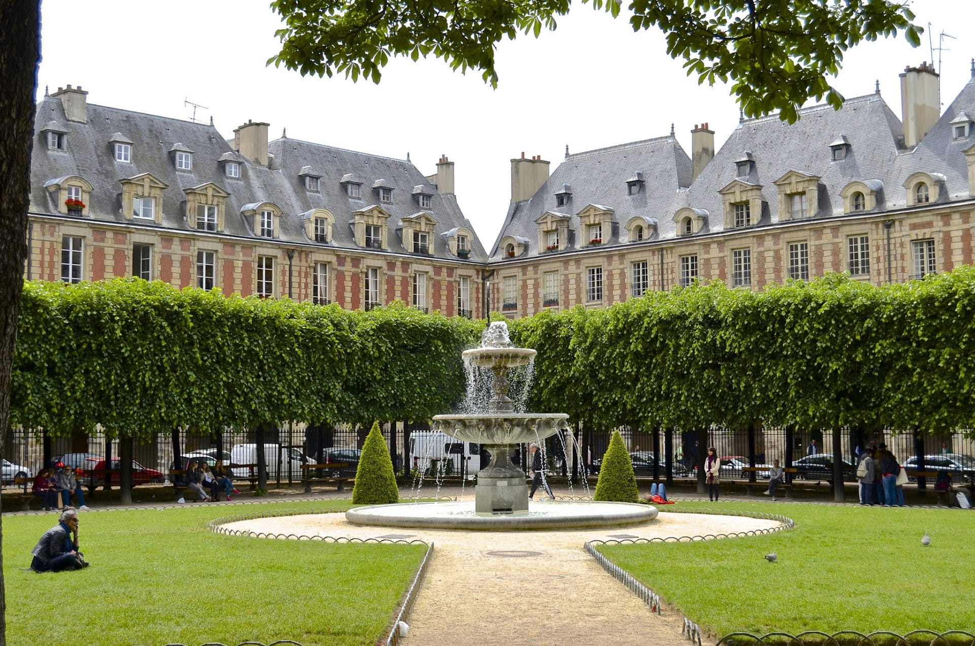 میدان ووژ پاریس