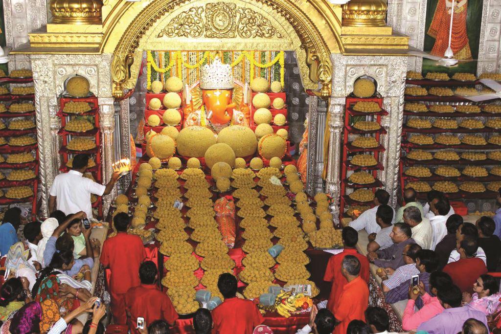 معبد موتی دونگری جیپور