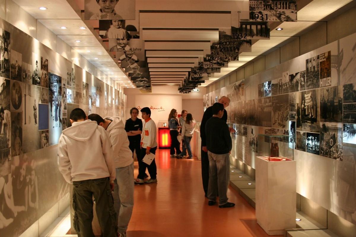 موزه خانه ی آنه فرانک