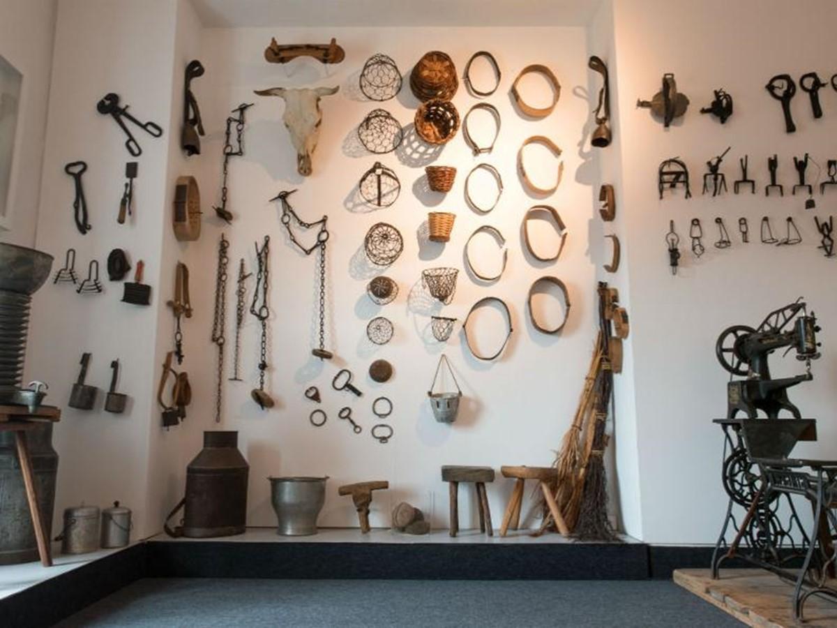 موزه ی هنر و لباس های رایج