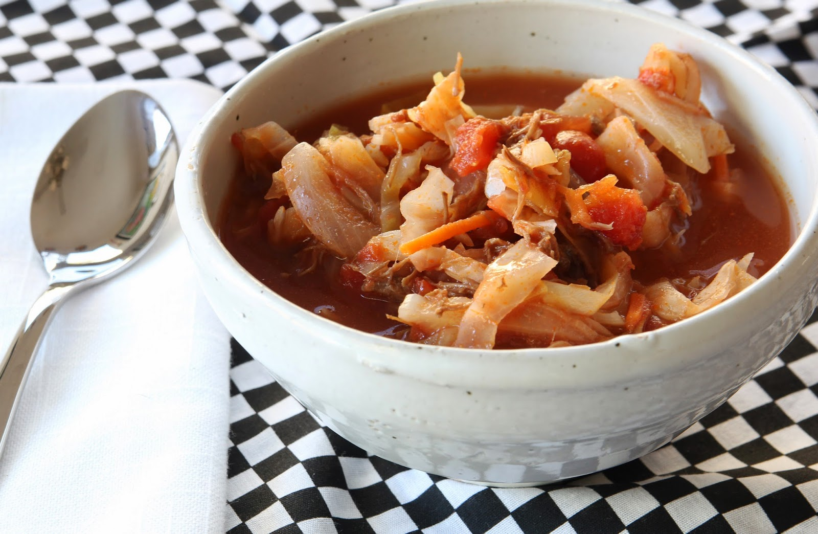 سوپ ترش و شیرین کلم