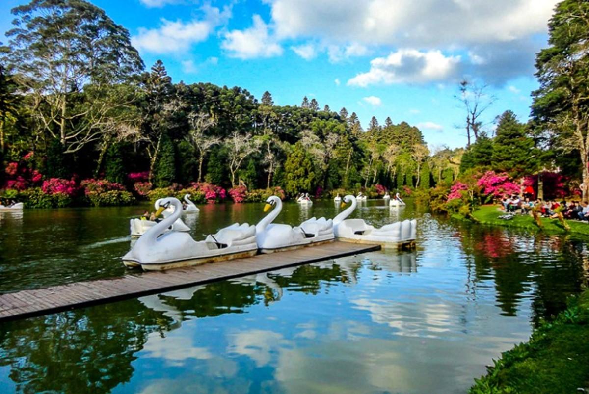 پارک دریاچه ی سیاه