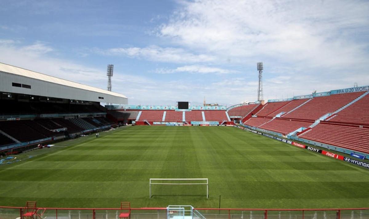 استادیوم فوتبال آنتونیو آراندا