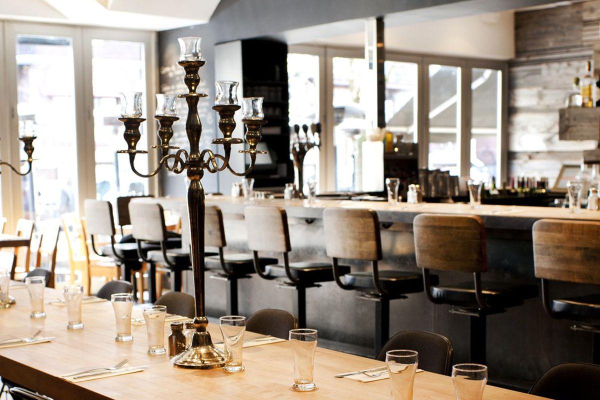 رستوران تریبل