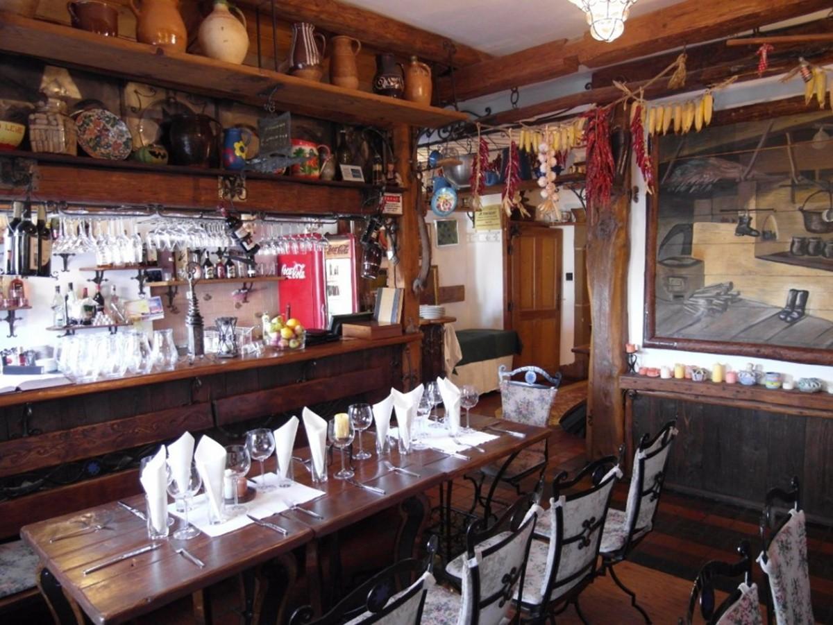 رستوران مودرا هویزدا