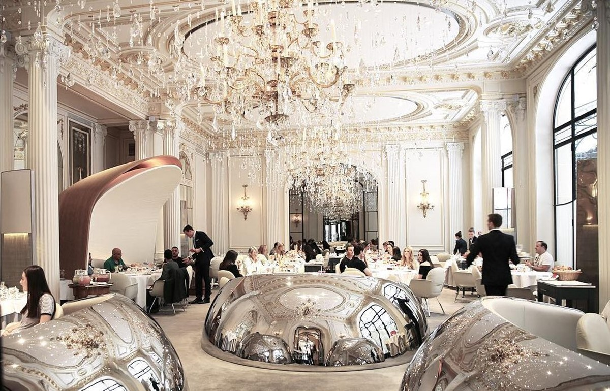 رستوران آلن دوکاس پلازا آتنه