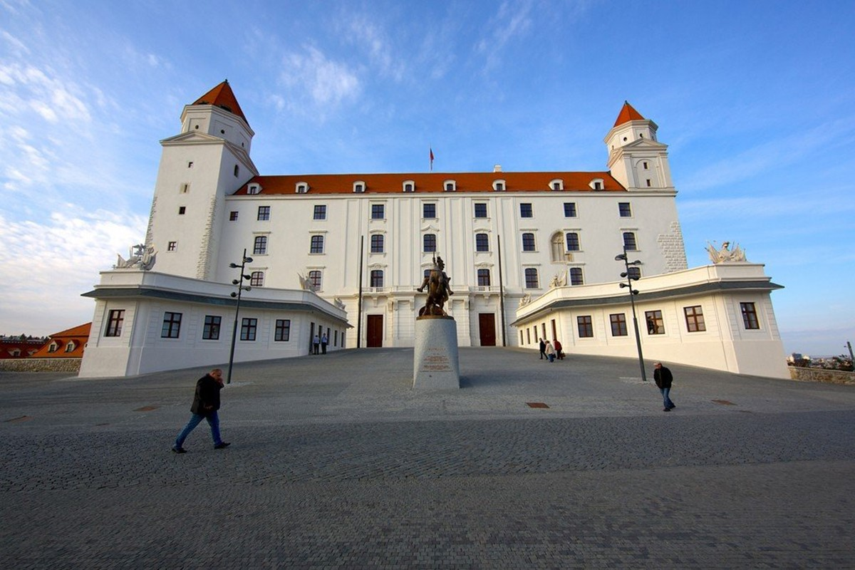قلعهی براتیسلاوا